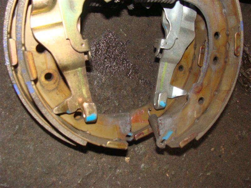 Тормозные колодки Toyota Lite Ace KM75 7K заднее левое (б/у)
