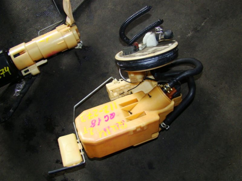 Топливный насос Nissan Bluebird QU14 QG18 (б/у)