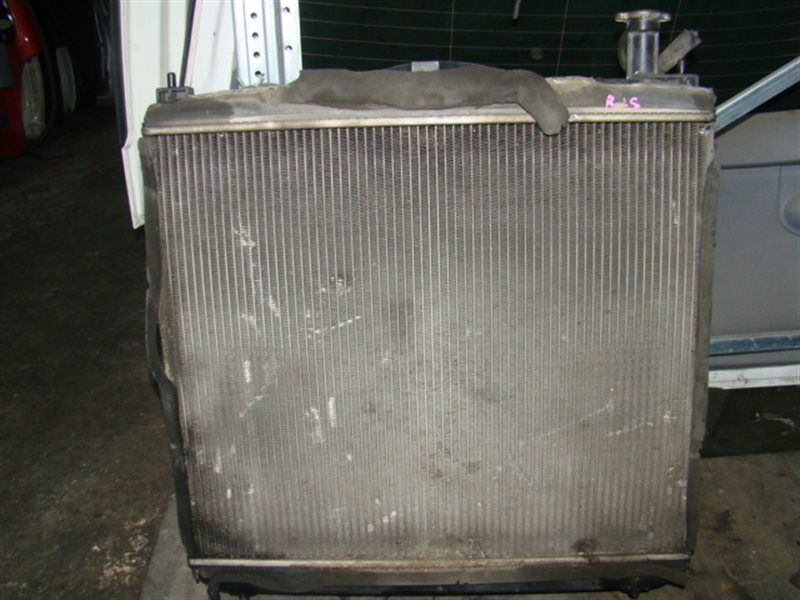 Радиатор охлаждения Toyota Hiace Regius LXH49 5L (б/у)