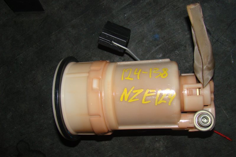 Топливный насос Toyota Corolla Fielder NZE121 1NZFE (б/у)