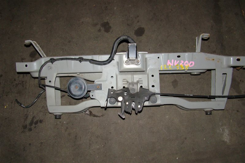 Планка телевизора Nissan Nv200 VM20 передняя верхняя (б/у)