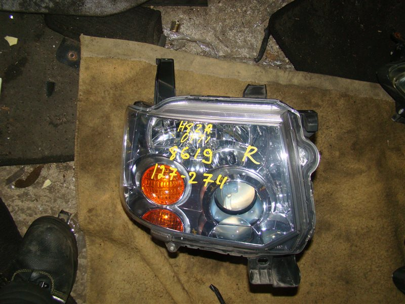Фара Mitsubishi Toppo H82A передняя правая (б/у)