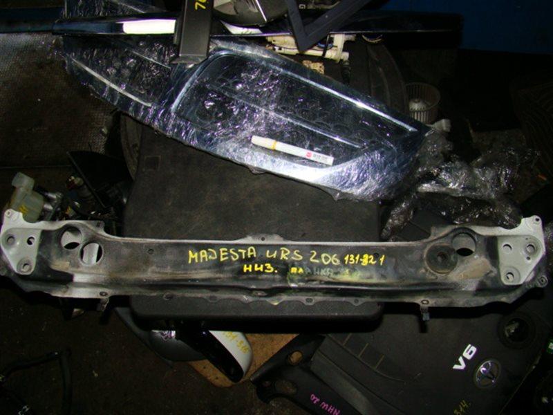 Планка телевизора Toyota Crown Majesta URS206 передняя нижняя (б/у)