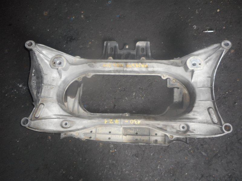 Балка под двс Toyota Crown Majesta URS206 1UR передняя (б/у)