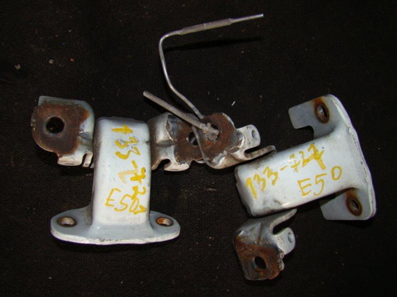 Петли на дверь Nissan Elgrand E51 передние левые (б/у)