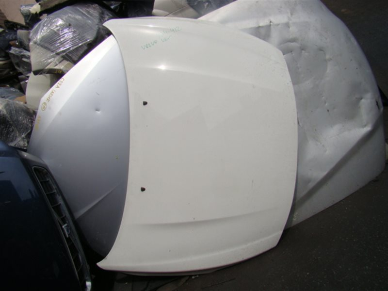 Капот Volvo V60 FW48 передний (б/у)