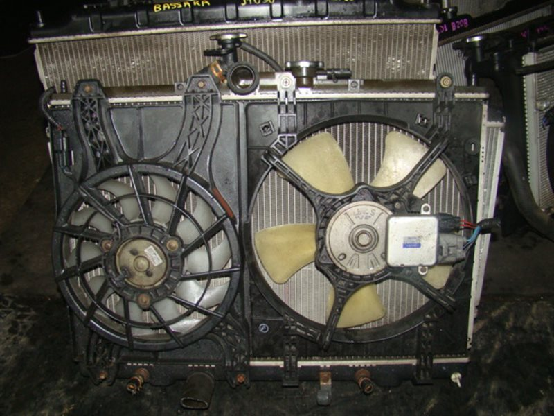 Радиатор охлаждения Honda Freed GP3 LEA (б/у)