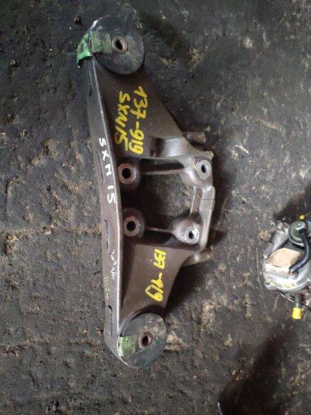 Крепление редуктора Toyota Ipsum SXM15 3S заднее (б/у)