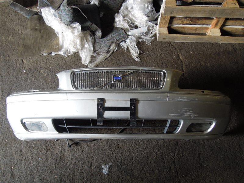 Бампер Volvo V70 передний (б/у)