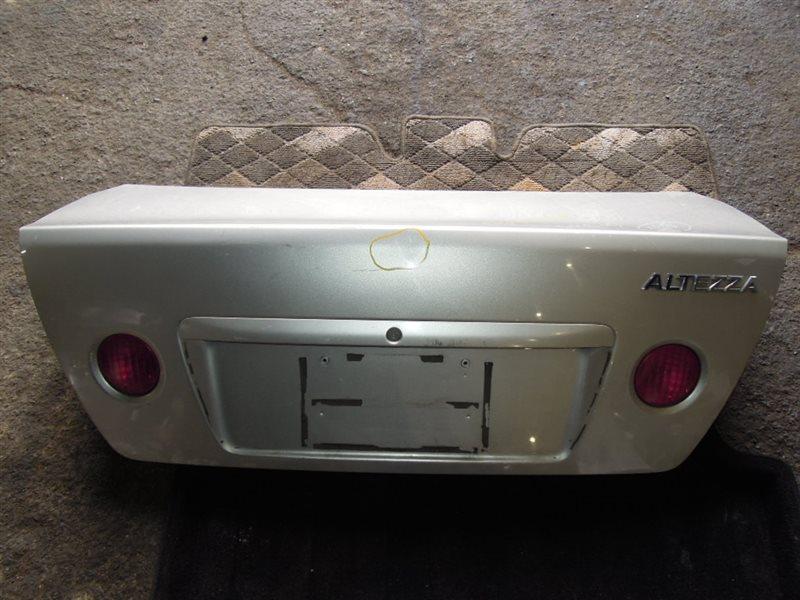 Крышка багажника Toyota Altezza GXE10 задняя (б/у)
