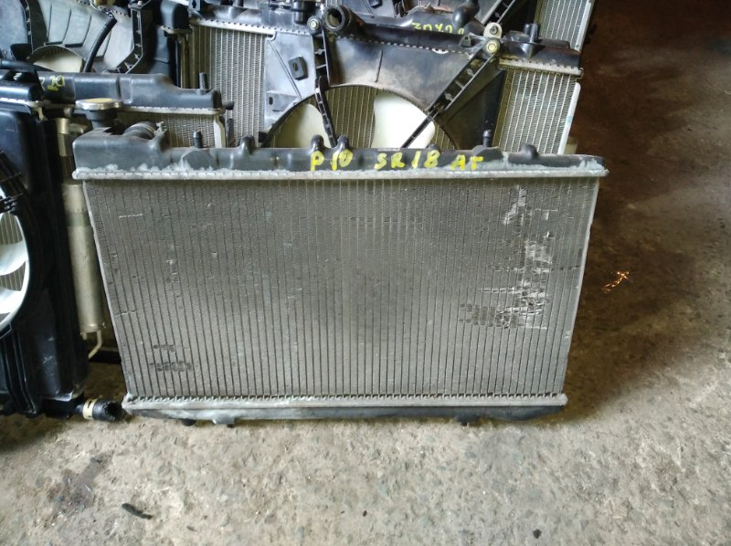 Радиатор охлаждения Nissan Primera P10 SR18 (б/у)