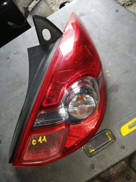 Стоп-сигнал Nissan Tiida C11 задний правый (б/у)