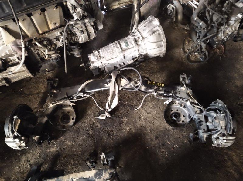 Балка со ступицами Toyota Voxy ZWR80 задняя (б/у)