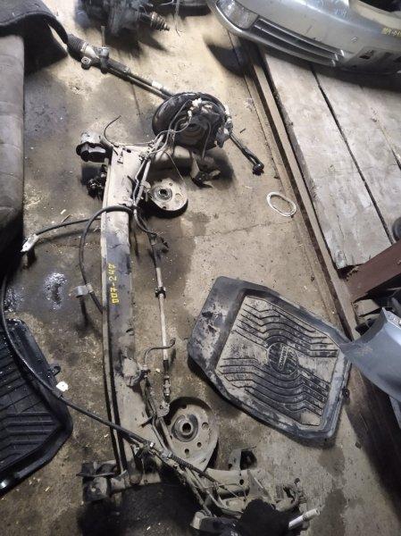 Балка со ступицами Toyota Noah ZRR85 задняя (б/у)