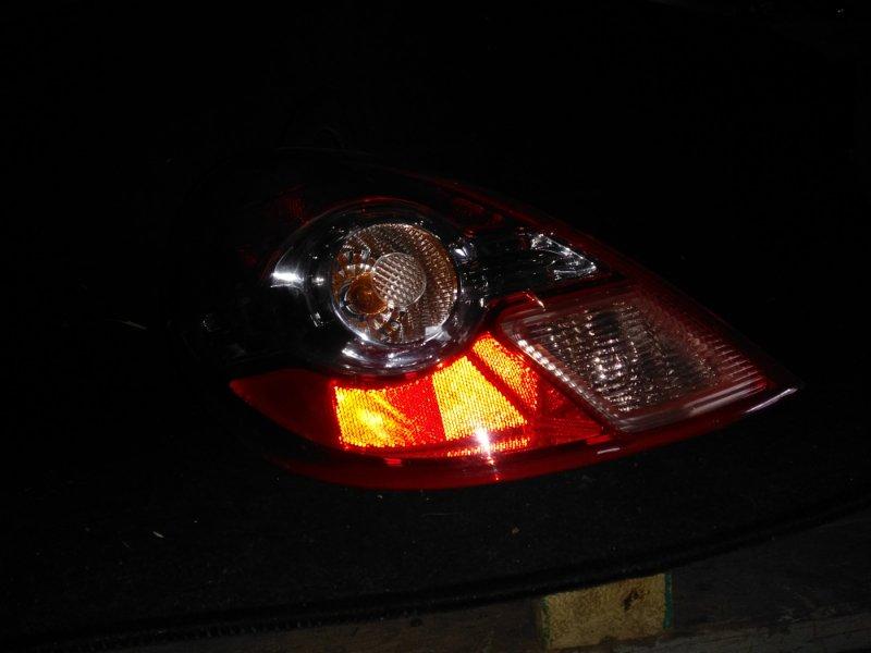 Стоп-сигнал Nissan Tiida C11 задний левый (б/у)