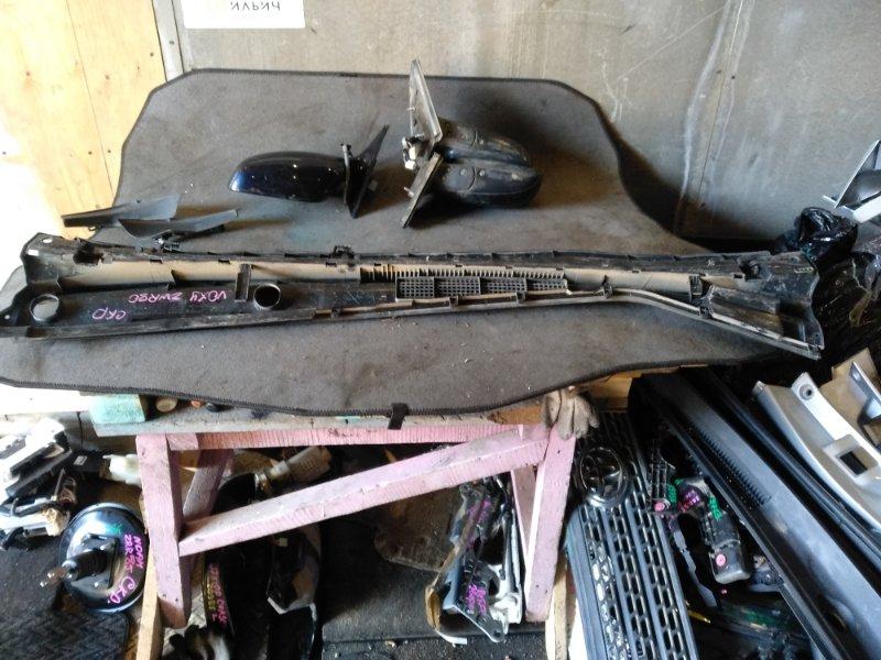 Планка под дворники Toyota Voxy ZWR80 (б/у)