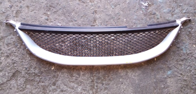 Решетка радиатора Toyota Mark Ii Blit JZX115 (б/у)