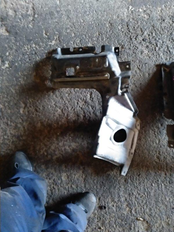 Защита двигателя Toyota Noah ZRR85 передняя левая (б/у)