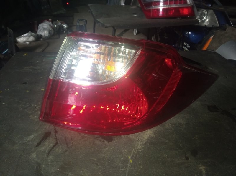Стоп-сигнал Mazda Premacy CWEFW правый (б/у)