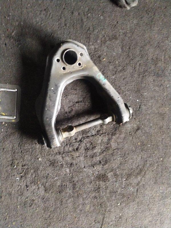 Рычаг Nissan Terrano WBYD21 TD27 передний правый (б/у)