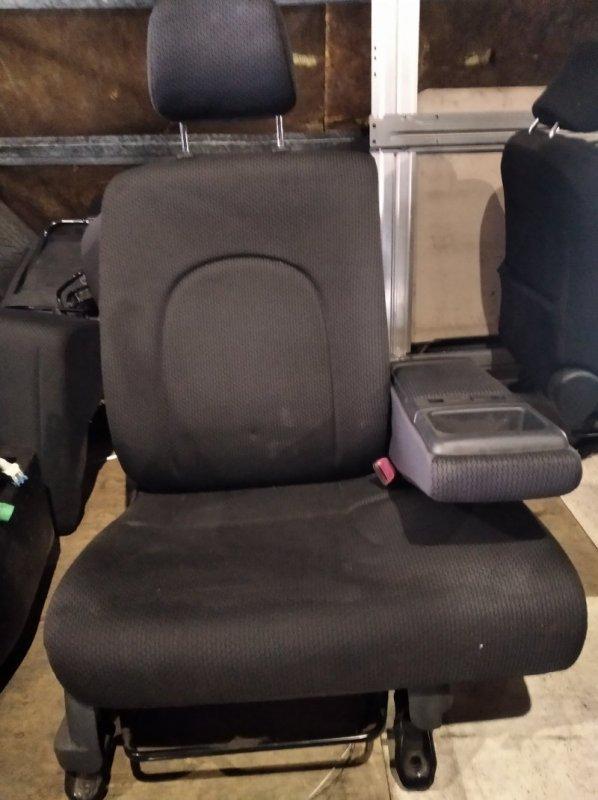Сиденье Toyota Passo KGC10 переднее правое (б/у)