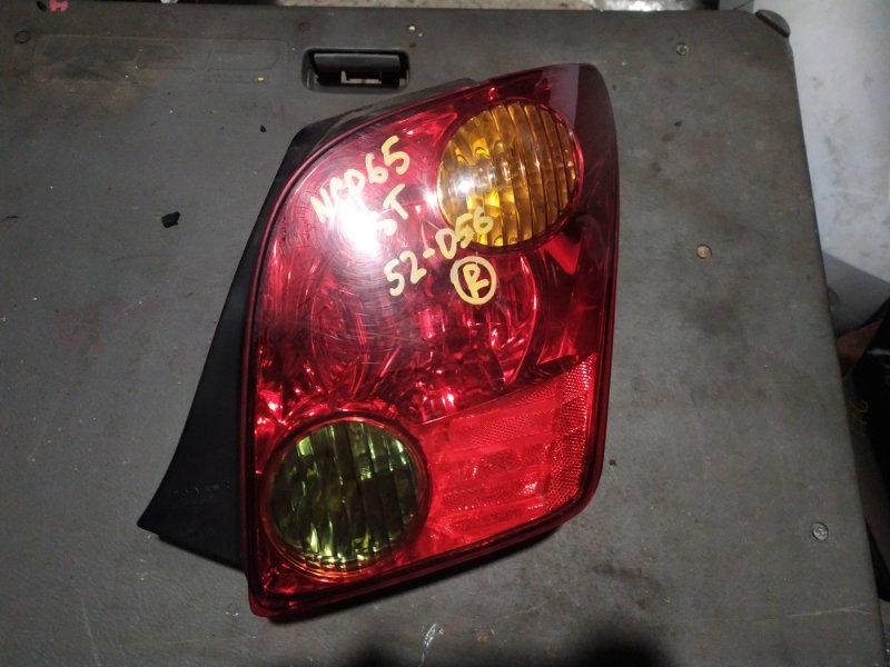 Стоп-сигнал Toyota Ist NCP60 задний правый (б/у)