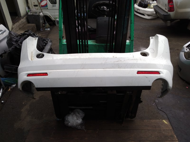 Бампер Mazda Mpv LY3P задний (б/у)