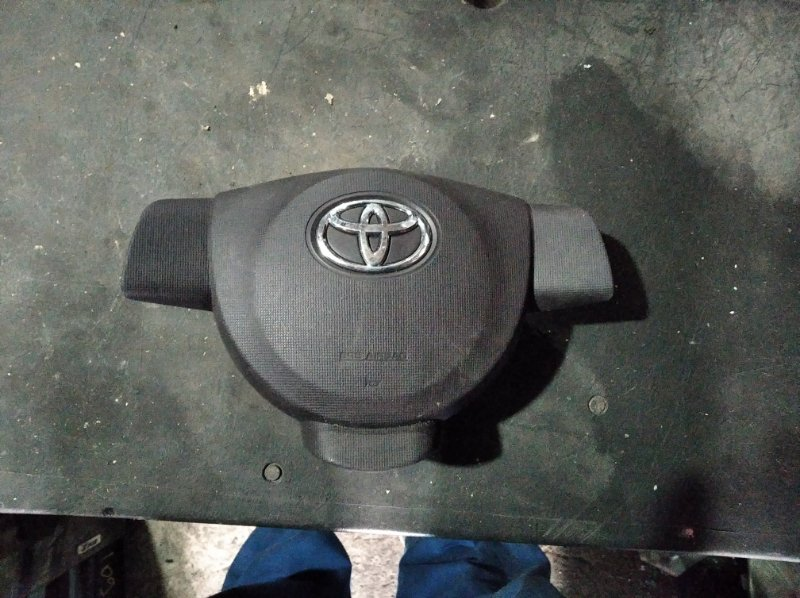 Airbag на руль Toyota Vitz NCP130 (б/у)