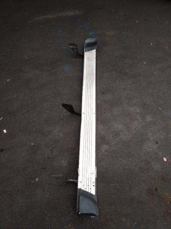 Подножка Toyota Surf KZN185 правая (б/у)