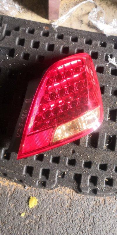 Стоп-сигнал Toyota Crown Majesta UZS186 задний правый (б/у)