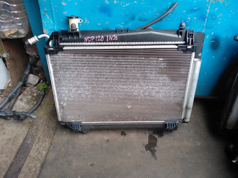 Радиатор охлаждения Toyota Ractis NCP120 1NZ (б/у)