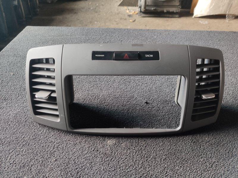 Консоль магнитофона Toyota Premio ZZT240 (б/у)