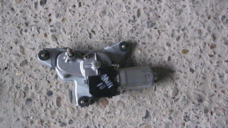 Моторчик заднего дворника Toyota Alphard ANH10W 2AZFE (б/у)