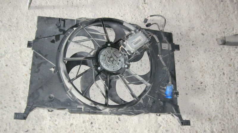 Диффузор радиатора Mercedes-Benz B200 W245 M266 (б/у)