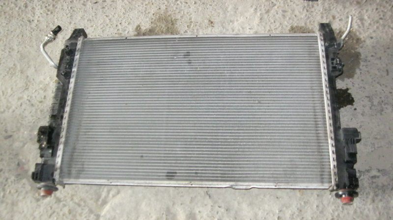 Радиатор Mercedes-Benz B200 W245 M266 (б/у)