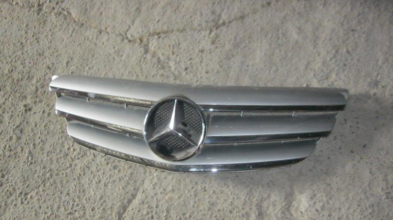 Решетка радиатора Mercedes-Benz B200 W245 M266 (б/у)