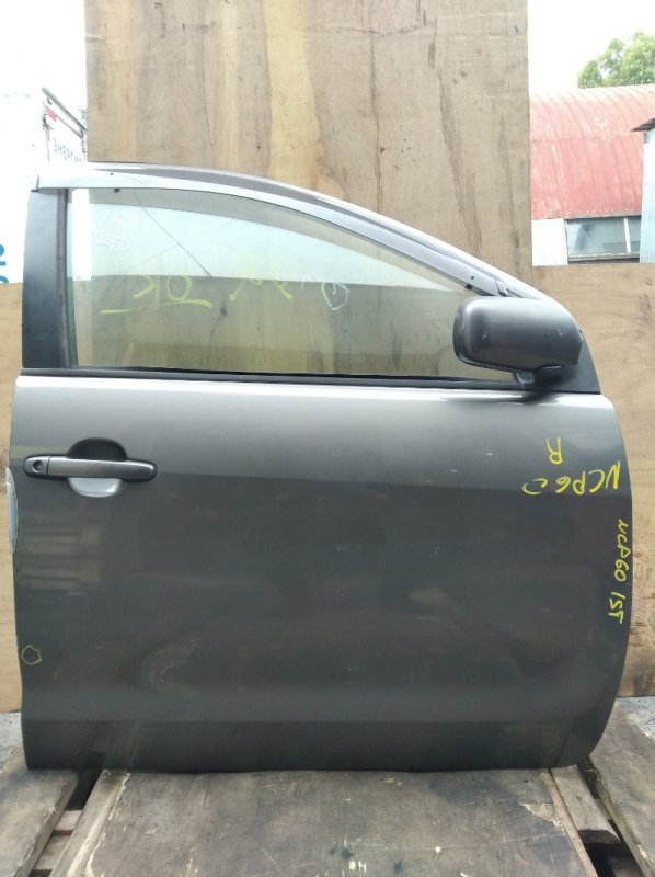 Дверь Toyota Ist NCP60 передняя правая (б/у)