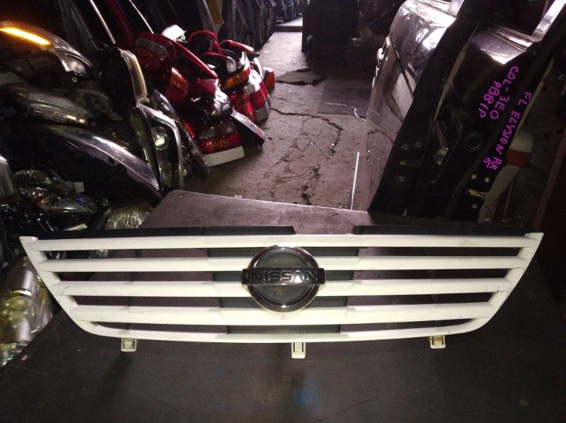 Решетка радиатора Nissan Serena TNC24 (б/у)