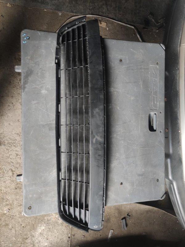 Решетка бамперная Toyota Vitz NSP135 (б/у)