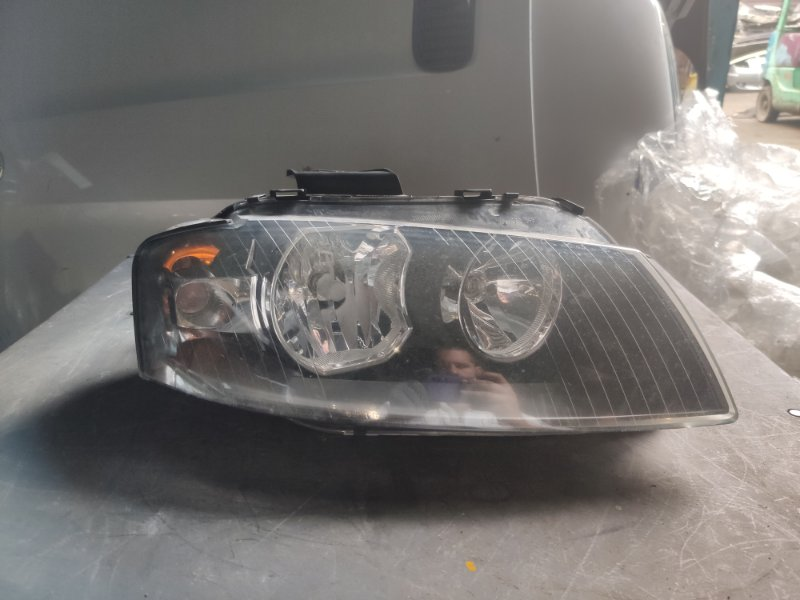 Фара Audi A3 правая (б/у)