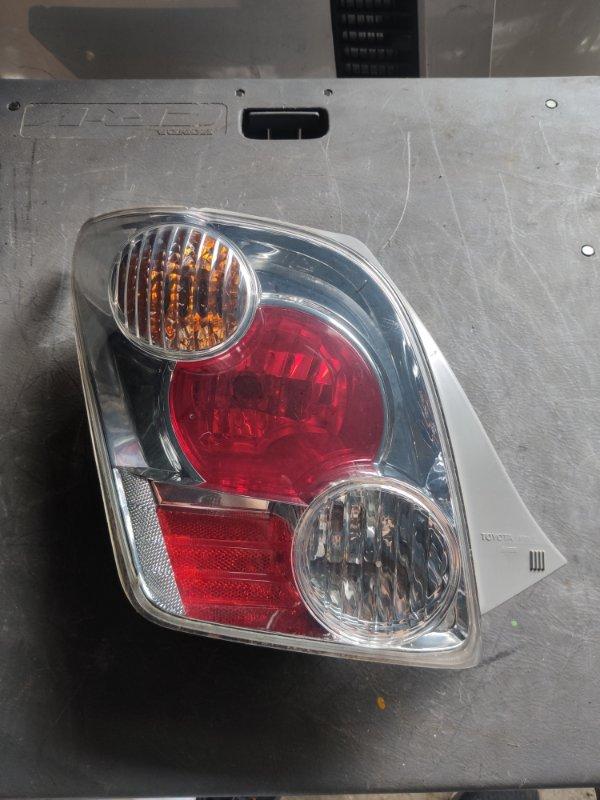 Стоп-сигнал Toyota Ist NCP60 левый (б/у)