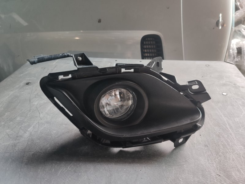 Ободок туманки Mazda Atenza GJ2AP левый (б/у)