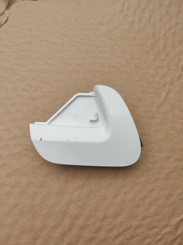 Заглушка бампера Toyota Vitz NCP135 передняя (б/у)
