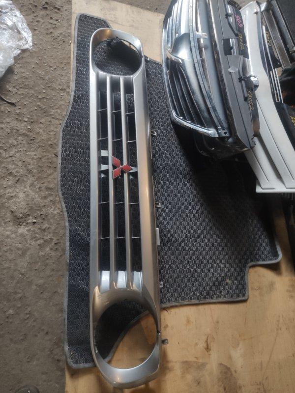 Решетка радиатора Mitsubishi Pajero Junior H57A (б/у)