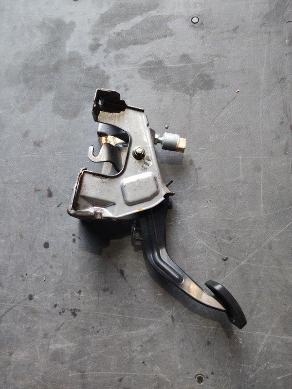 Педаль ручника Nissan Nv100 Clipper DR17V R06A (б/у)