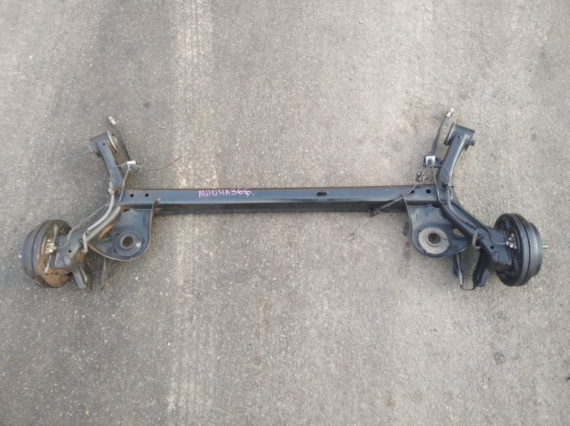 Балка со ступицами Suzuki Alto HA36S R06A задняя (б/у)