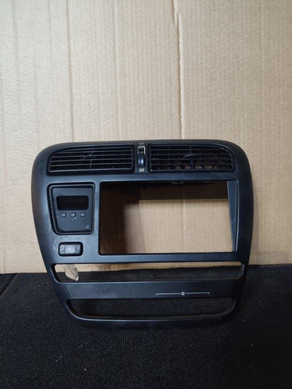 Консоль магнитофона Toyota Carina ST190 (б/у)