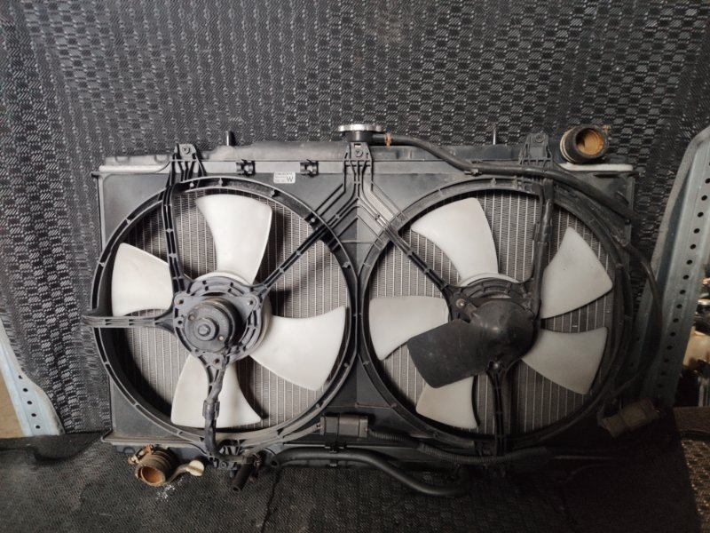 Радиатор охлаждения Nissan Prairie M11 CA20 (б/у)