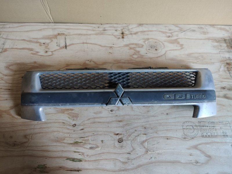 Решетка радиатора Mitsubishi Pajero Io H77W (б/у)