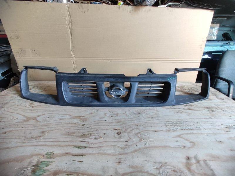 Решетка радиатора Nissan Datsun RD22 (б/у)